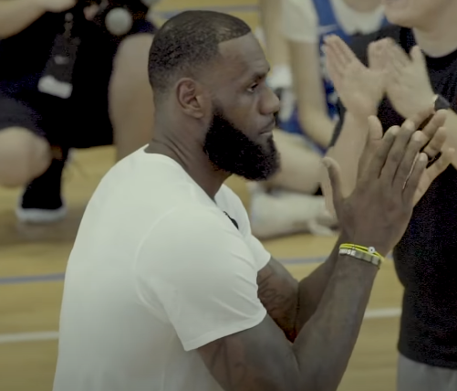 LeBron James is a hypocrite, not a hero